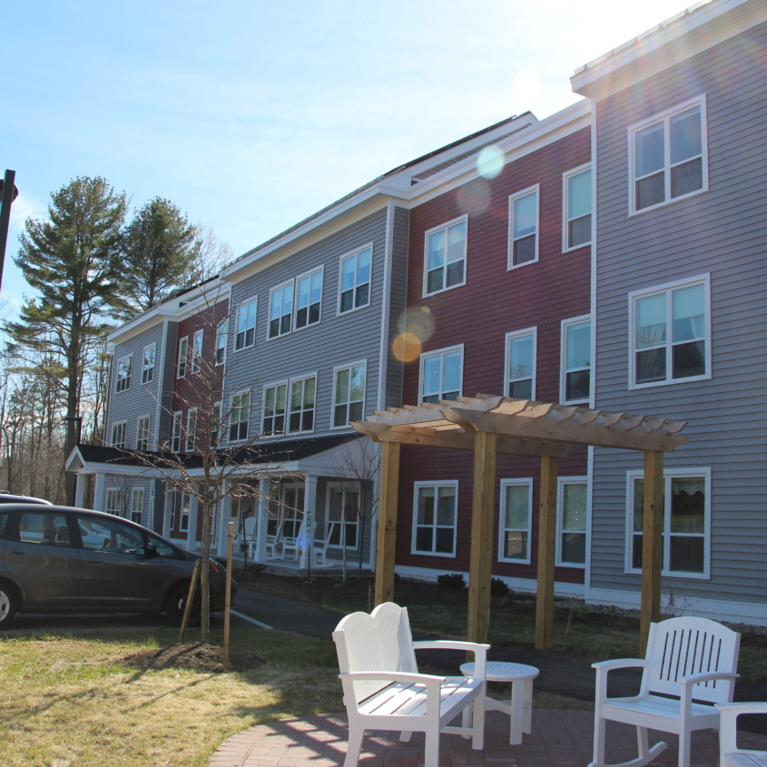 Apartments In Maine New Hampshire: Bartlett Woods Opens In Yarmouth